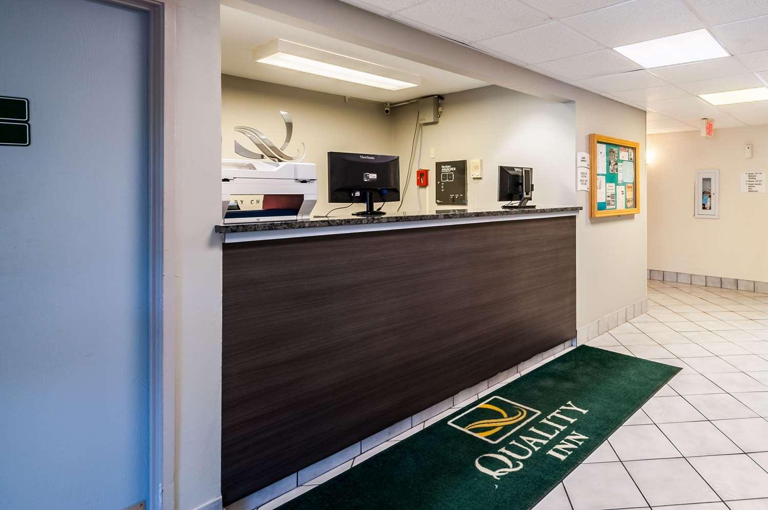 Lobby - Quality Inn Beacon Marina Solomons