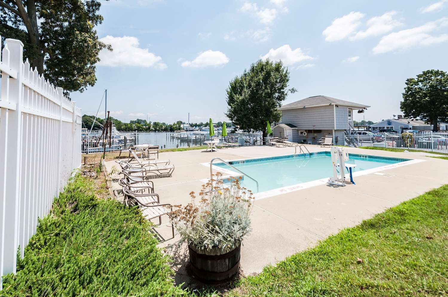 Pool - Quality Inn Beacon Marina Solomons