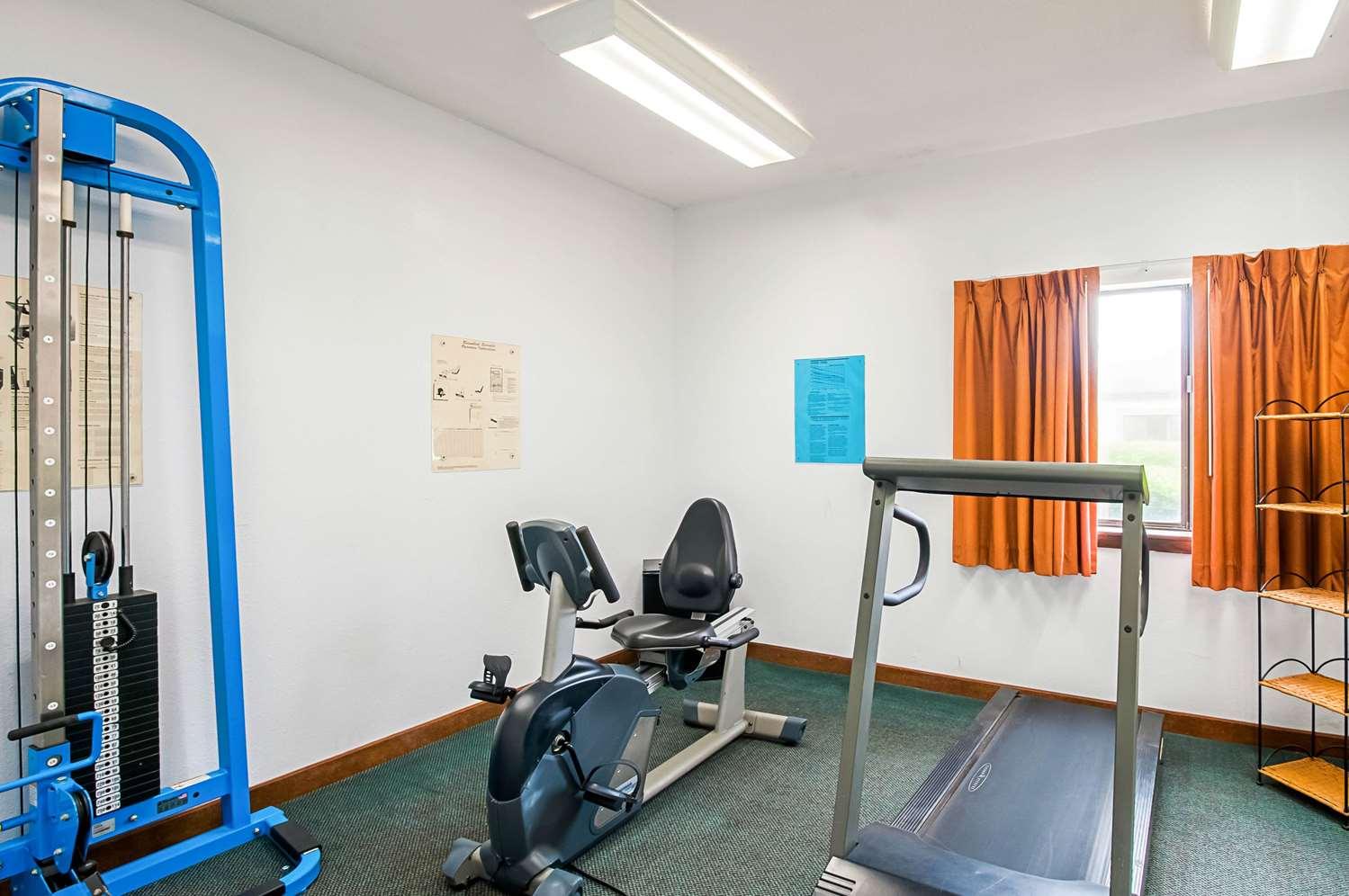 Fitness/ Exercise Room - Quality Inn Salisbury