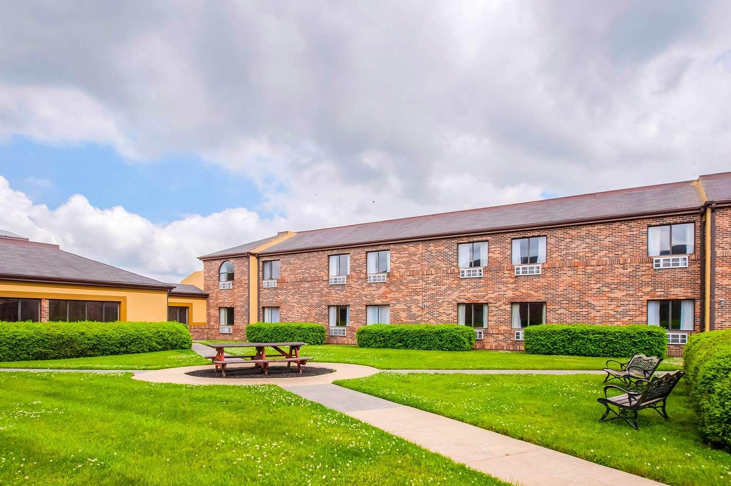 Exterior view - Quality Inn Salisbury