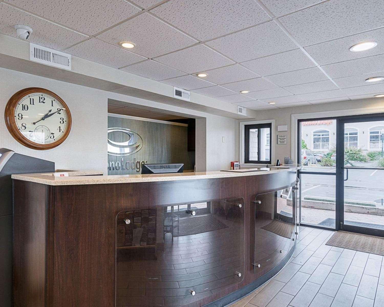 Lobby - Econo Lodge Oceanfront Ocean City