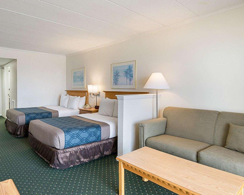Suite - Econo Lodge Oceanfront Ocean City