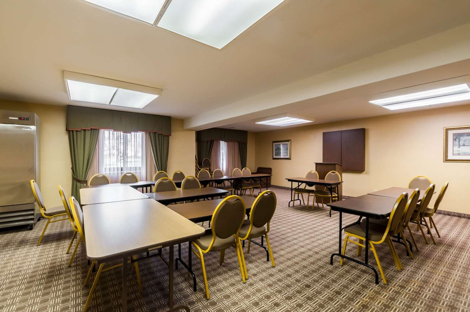 Meeting Facilities - Quality Suites Chestertown