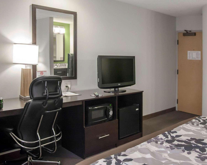Room - Sleep Inn Edgewood