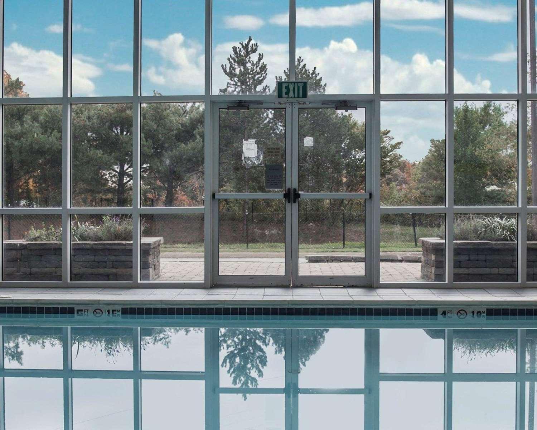Pool - Sleep Inn Edgewood