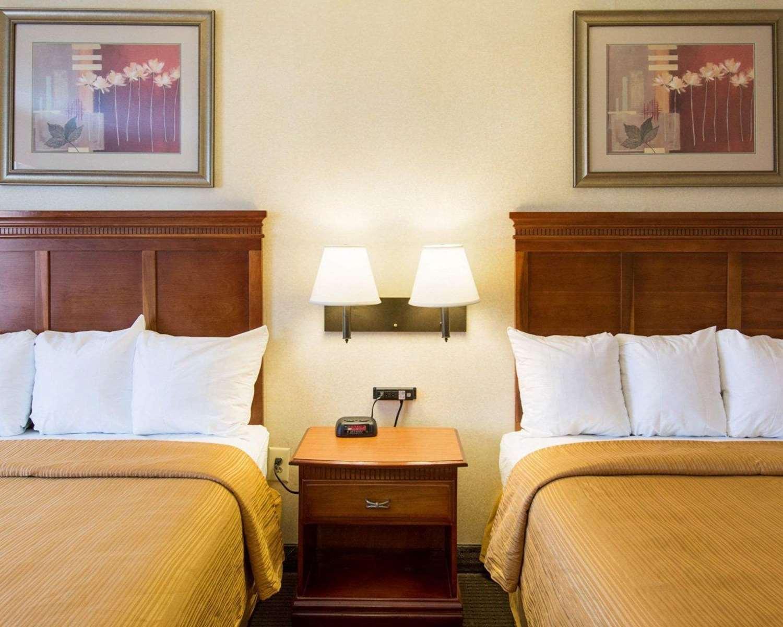 Room - Quality Inn Takoma Park