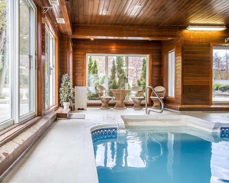 Pool - Rodeway Inn Saco