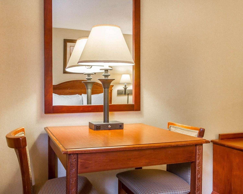 Room - Comfort Inn & Suites Wilton