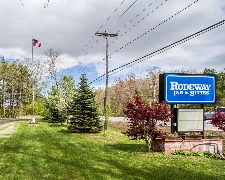 Exterior view - Rodeway Inn & Suites Brunswick