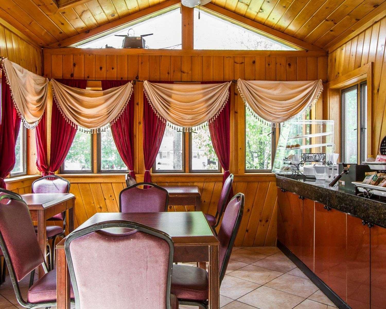 Restaurant - Rodeway Inn & Suites Brunswick