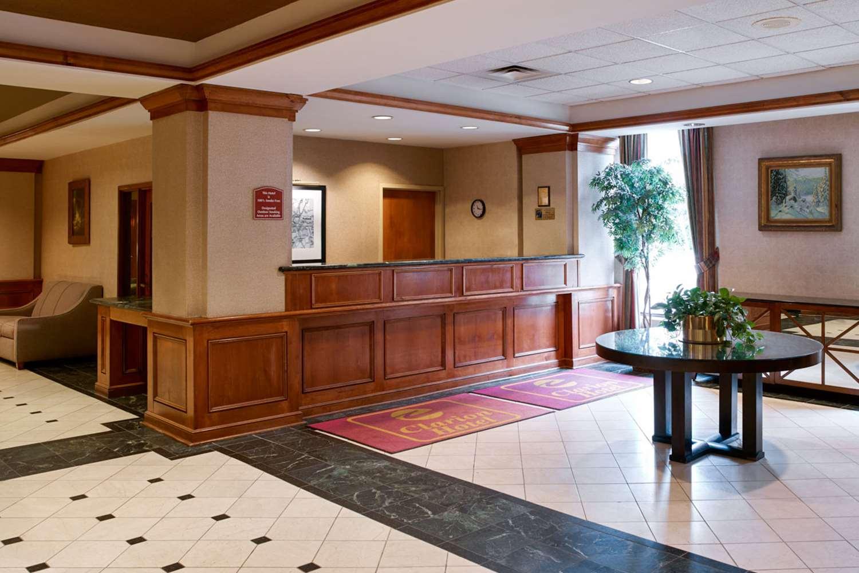 Lobby - Clarion Hotel Portland