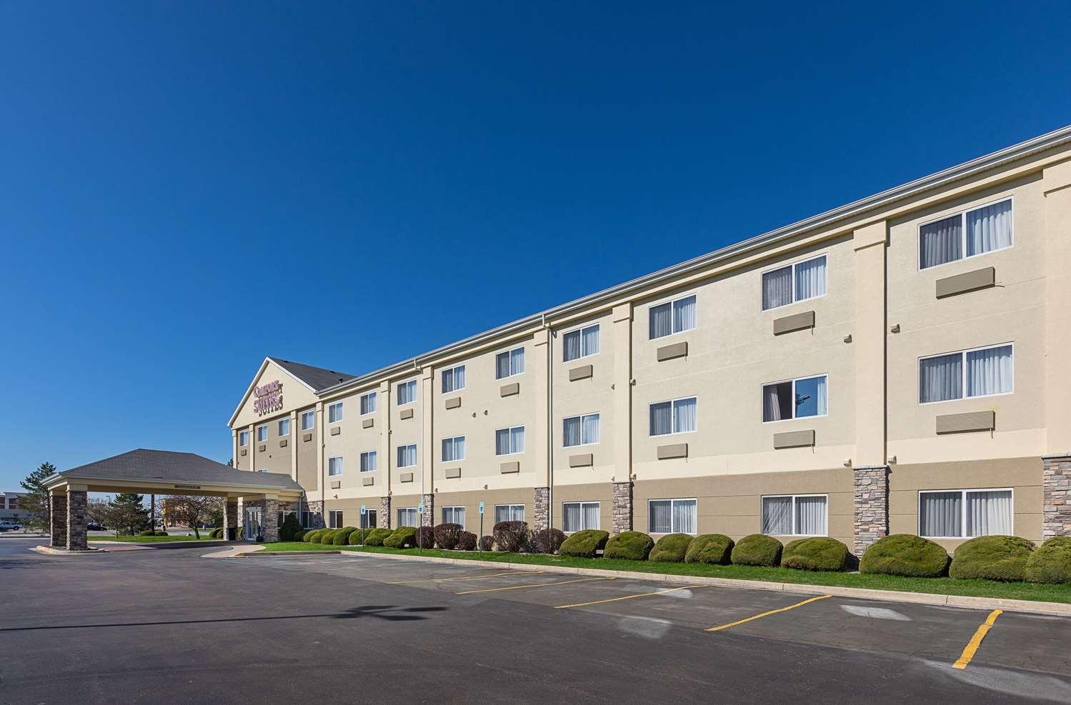 Exterior view - Comfort Suites Saginaw
