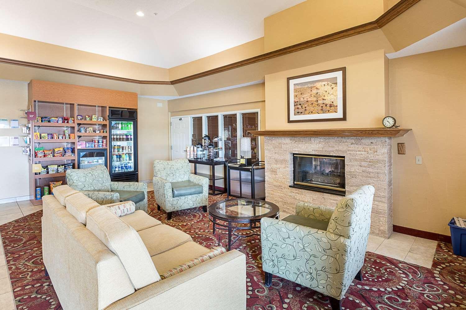 Lobby - Comfort Suites Saginaw