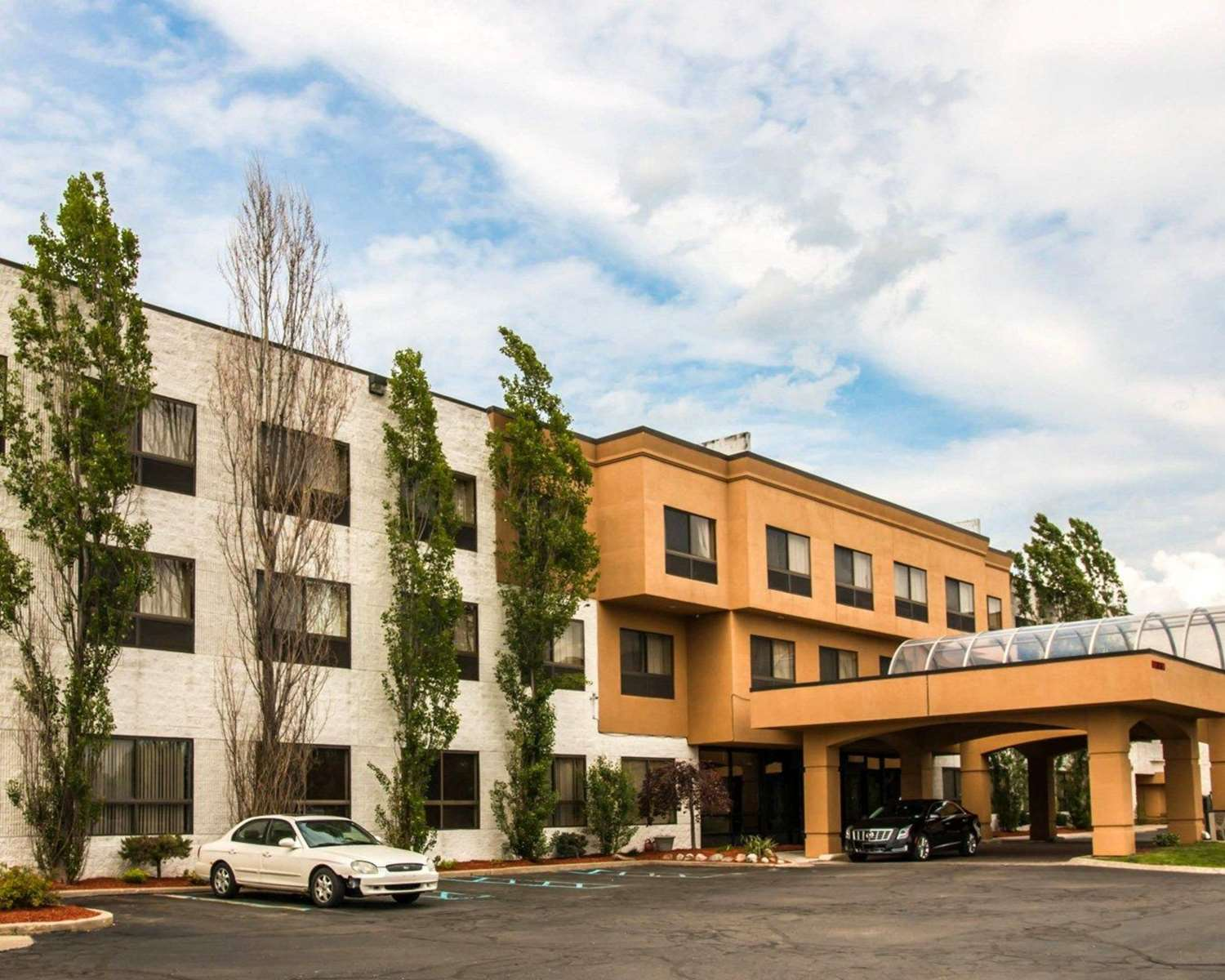 Exterior view - Quality Inn & Suites Waterford