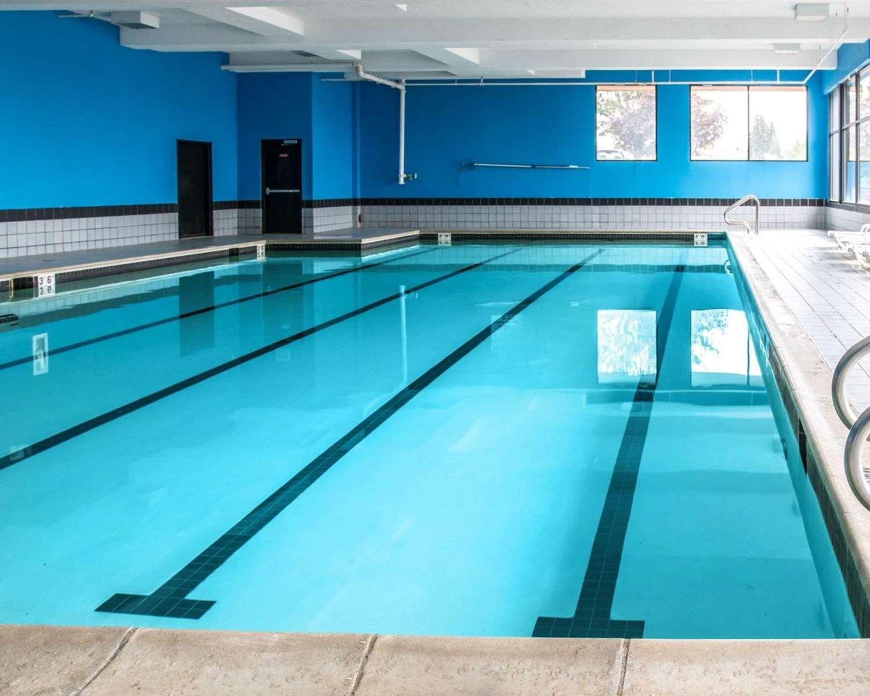 Pool - Quality Inn & Suites Waterford