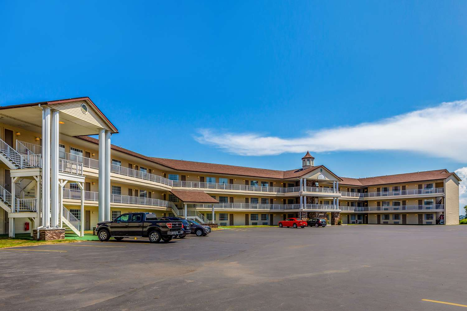Exterior view - Quality Inn Lakefront St Ignace