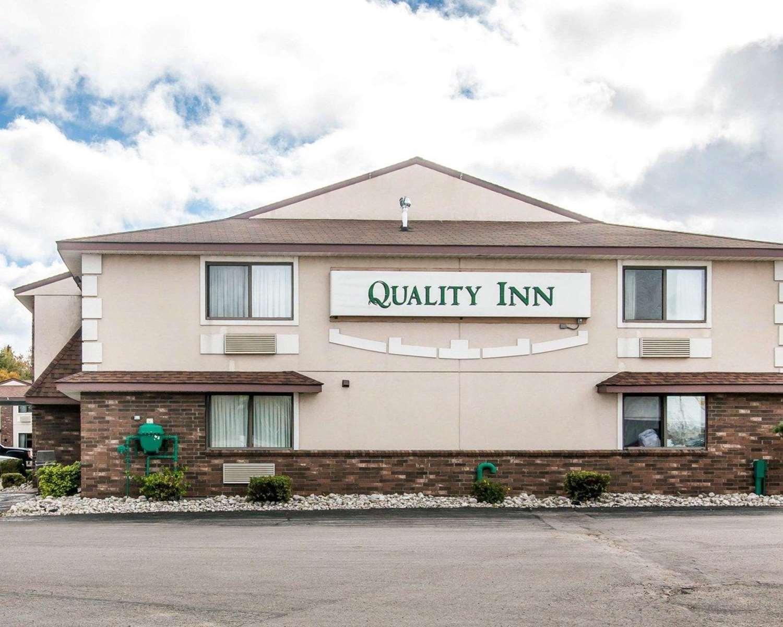 Exterior view - Quality Inn St Ignace