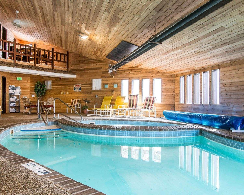 Pool - Quality Inn St Ignace