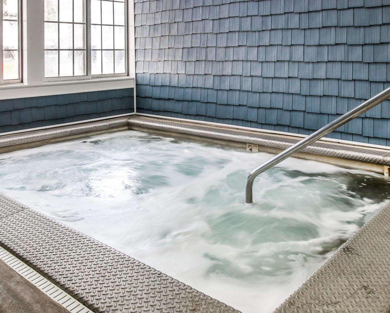 Pool - Clarion Hotel Beachfront Mackinaw City