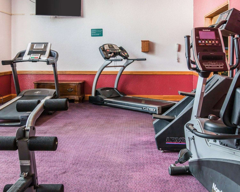 Fitness/ Exercise Room - Clarion Hotel Beachfront Mackinaw City