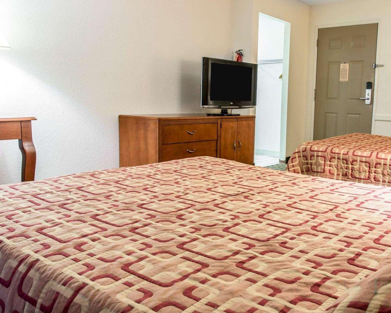 Room - Econo Lodge Kalamazoo