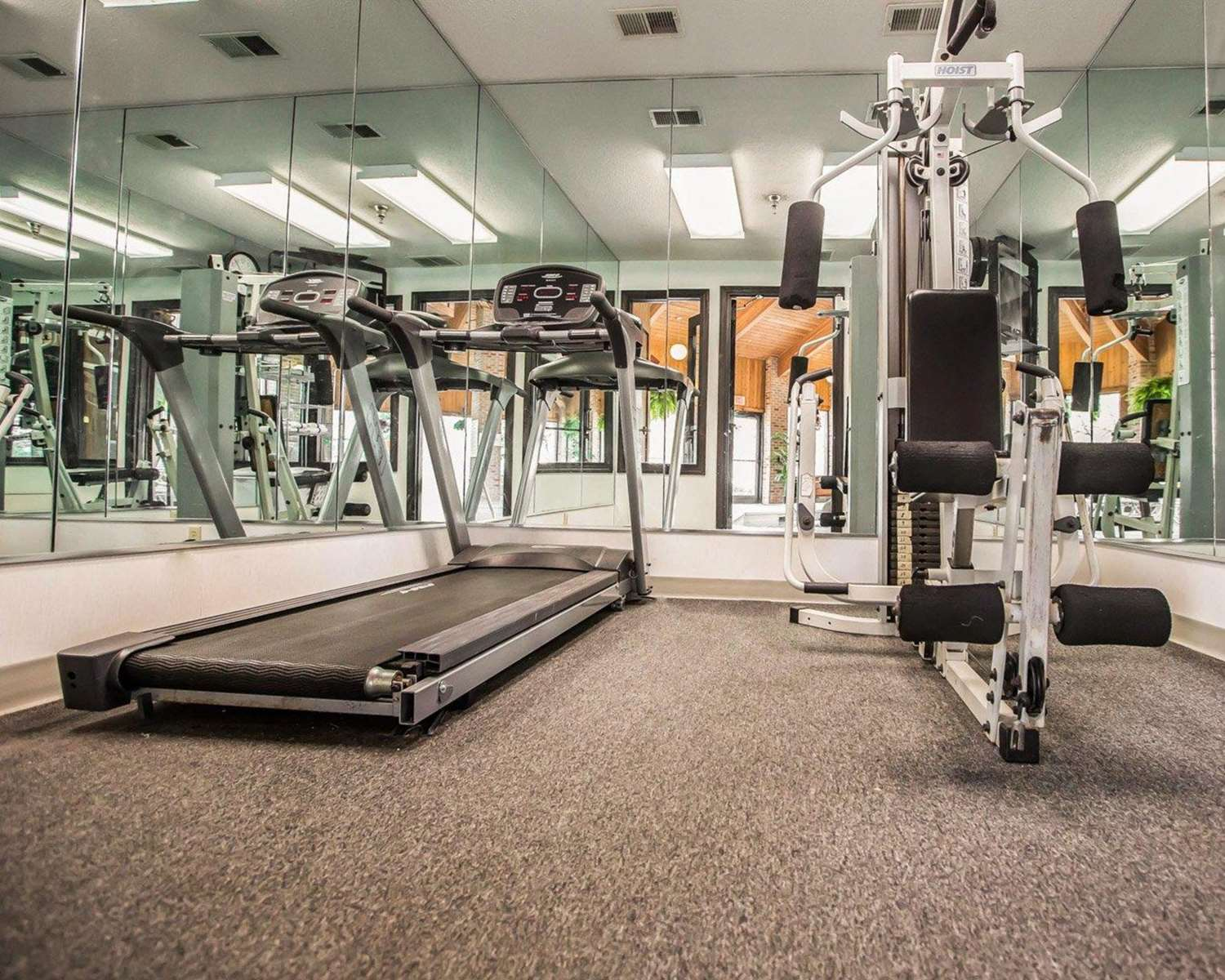 Fitness/ Exercise Room - Quality Inn & Suites Dundee