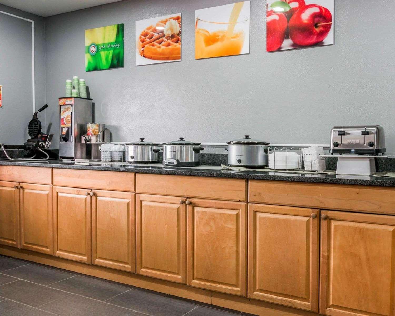 Restaurant - Quality Inn Walker