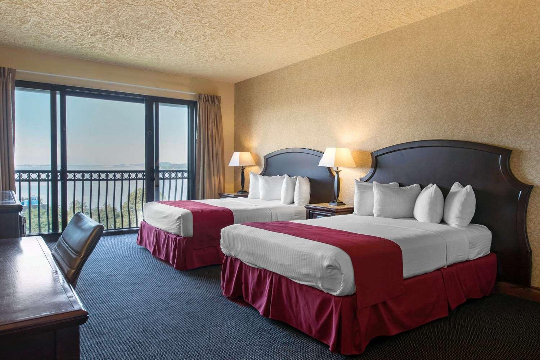 Room - Shoreline Inn & Conference Center Muskegon