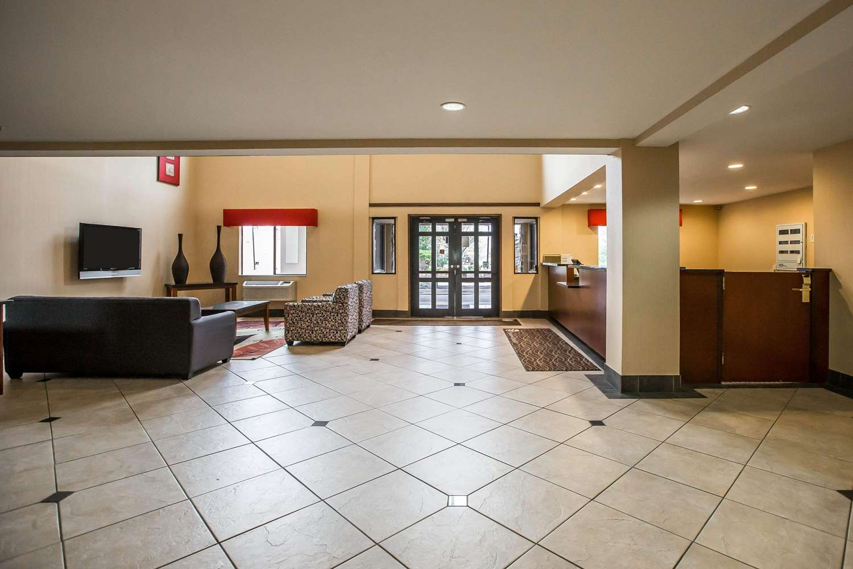 Lobby - Econo Lodge Inn & Suites Monroe