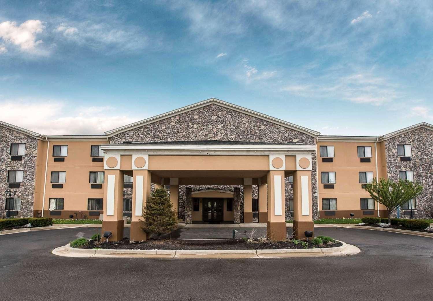 Exterior view - Econo Lodge Inn & Suites Monroe