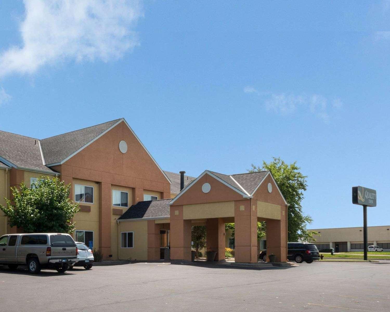 Exterior view - Quality Inn Lakeville