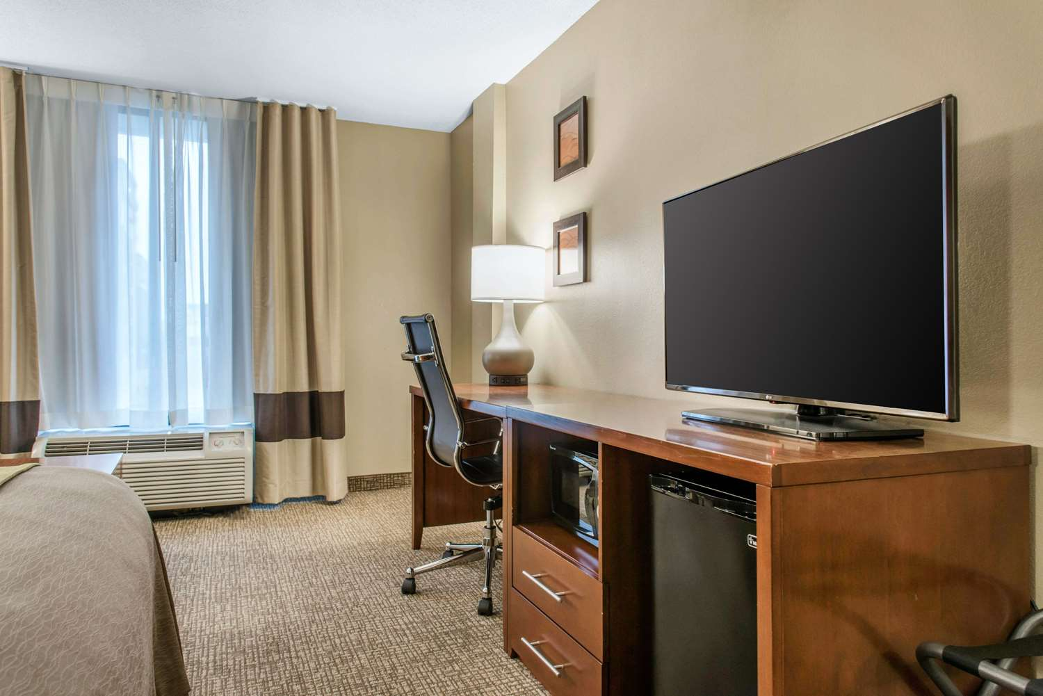 Suite - Comfort Inn Minneapolis Airport Bloomington