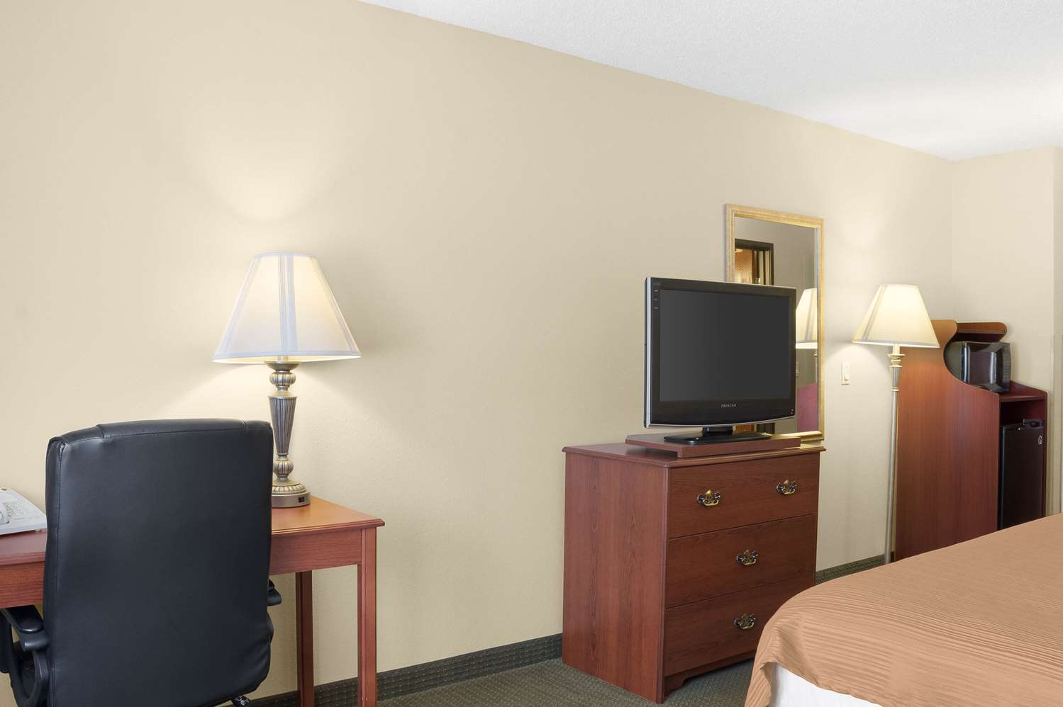 Room - Quality Inn Bemidji