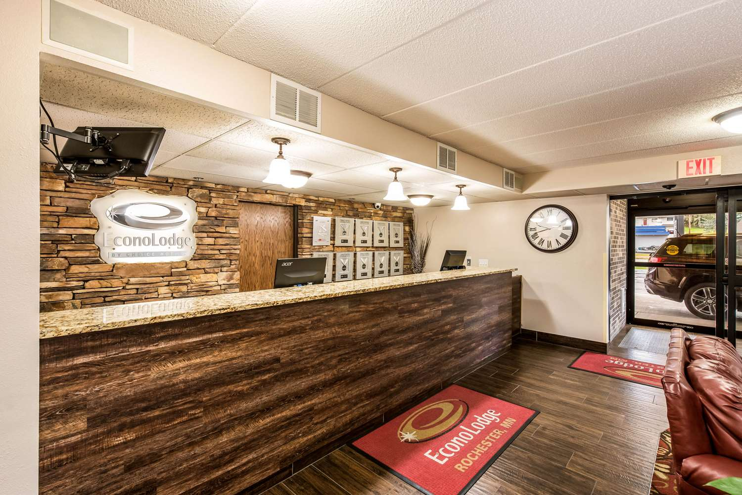 Lobby - Econo Lodge South Rochester