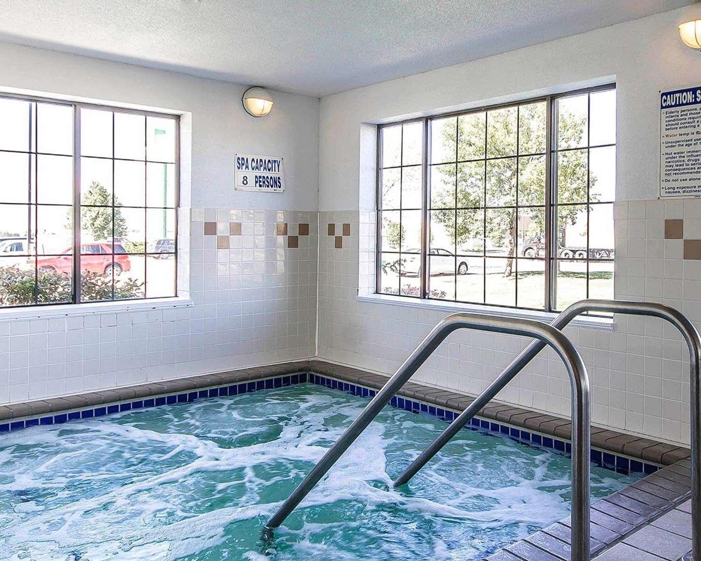 Pool - Comfort Inn Owatonna