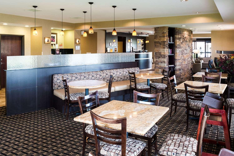 Restaurant - Comfort Suites Airport Rochester