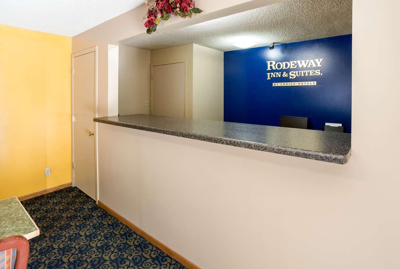 Lobby - Rodeway Inn & Suites Austin