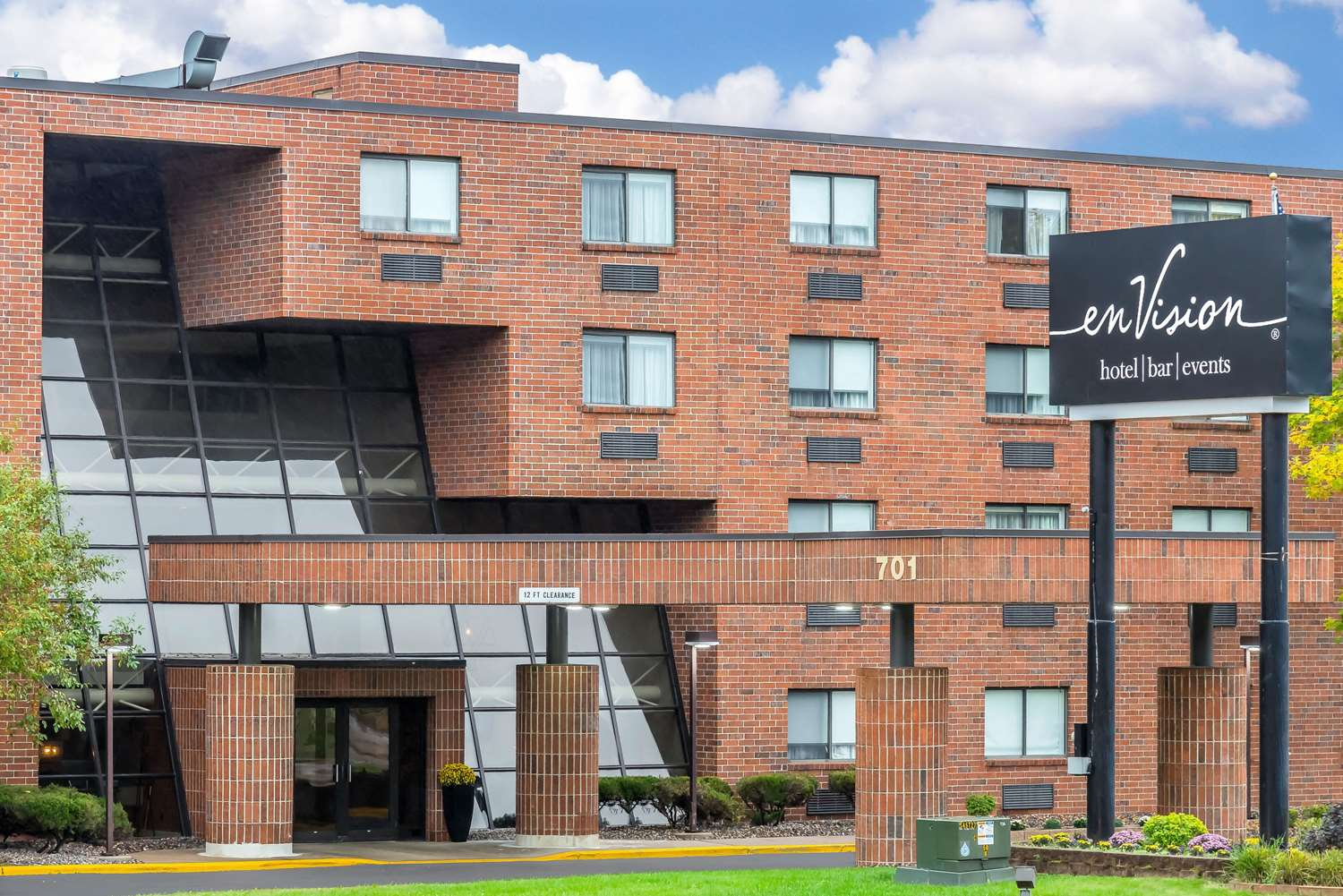 Exterior view - enVision Hotel South St Paul