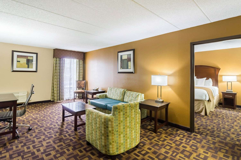 Suite - Quality Inn & Suites Arden Hills