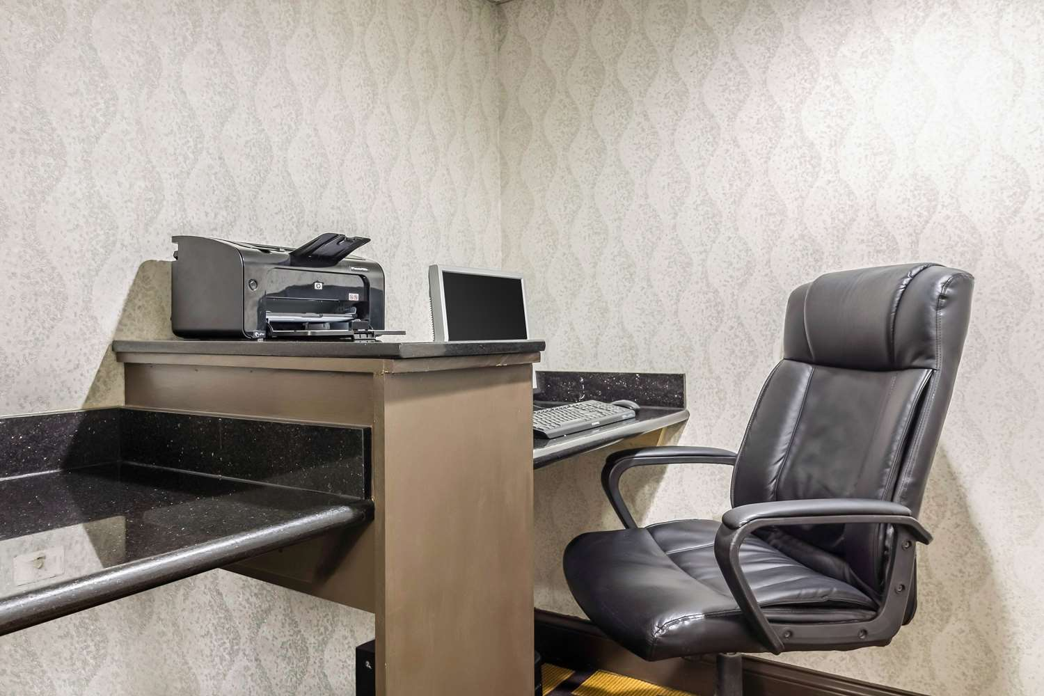 Conference Area - Quality Inn & Suites Arden Hills