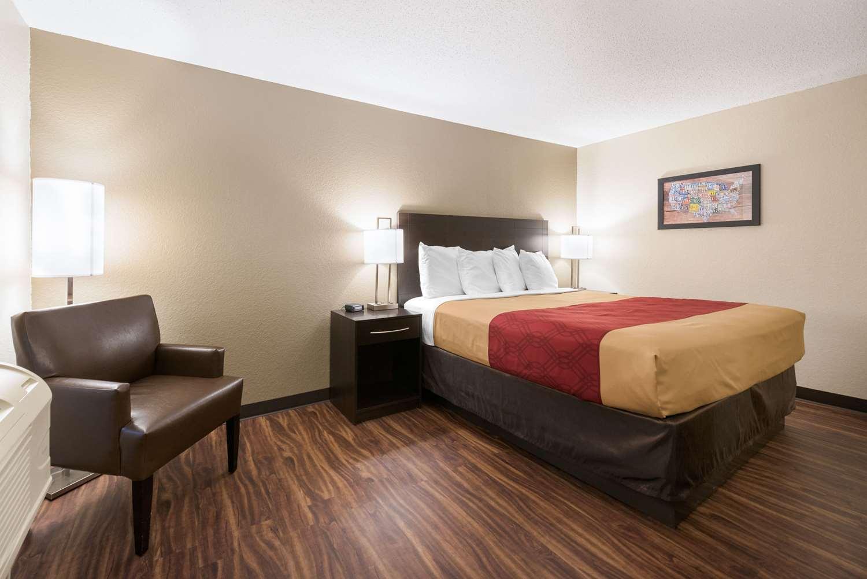 Room - Econo Lodge New Ulm