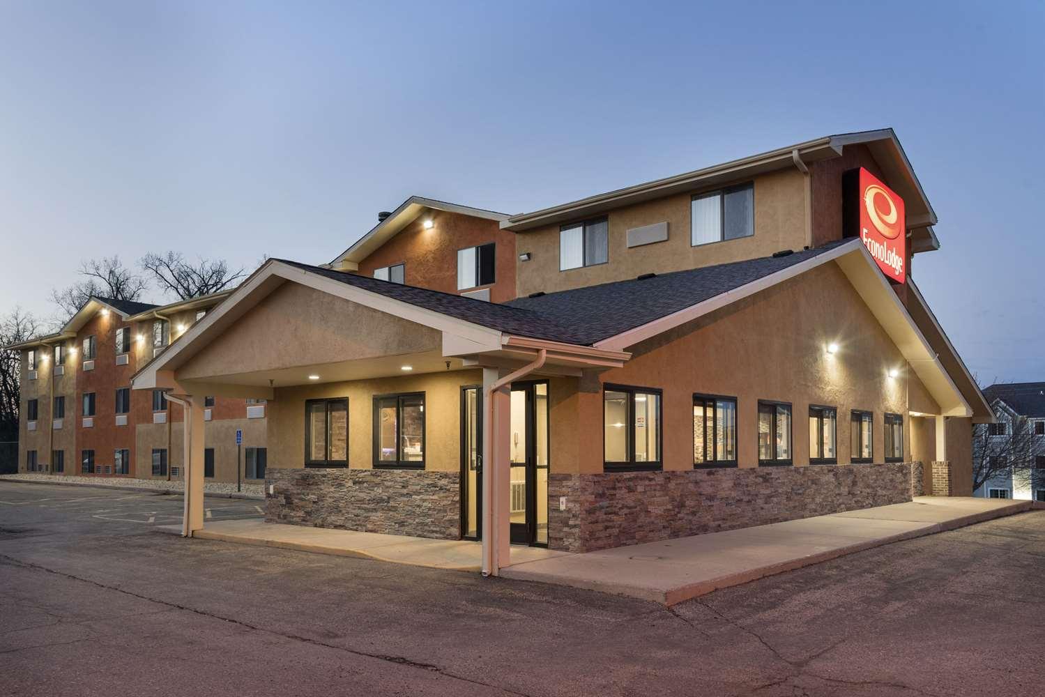Exterior view - Econo Lodge New Ulm