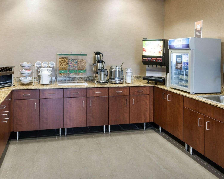 Restaurant - Comfort Inn & Suites Rochester