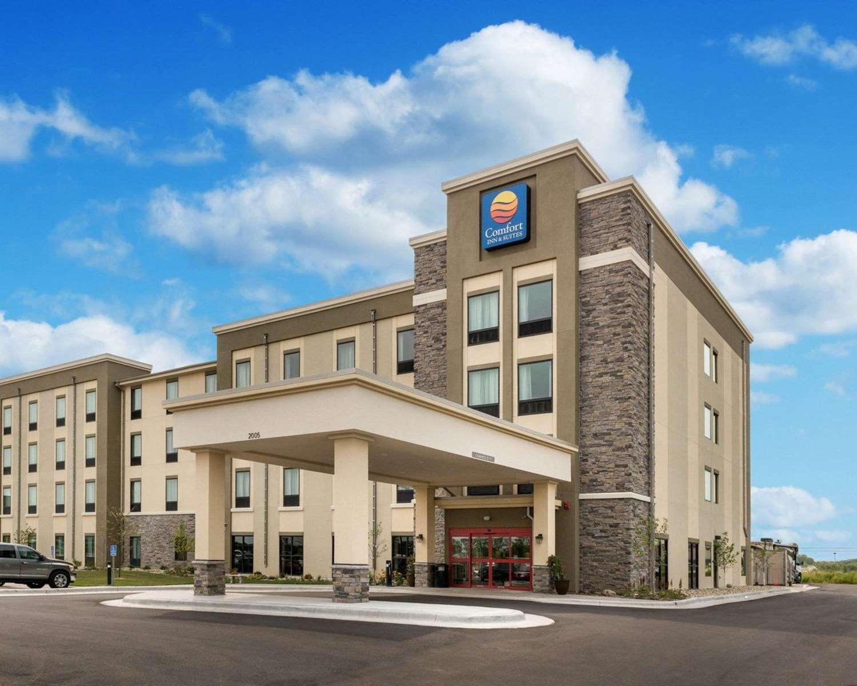 Exterior view - Comfort Inn & Suites Rochester