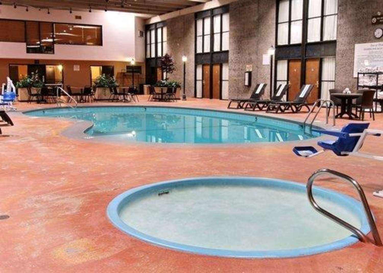 Pool - Quality Inn Thief River Falls
