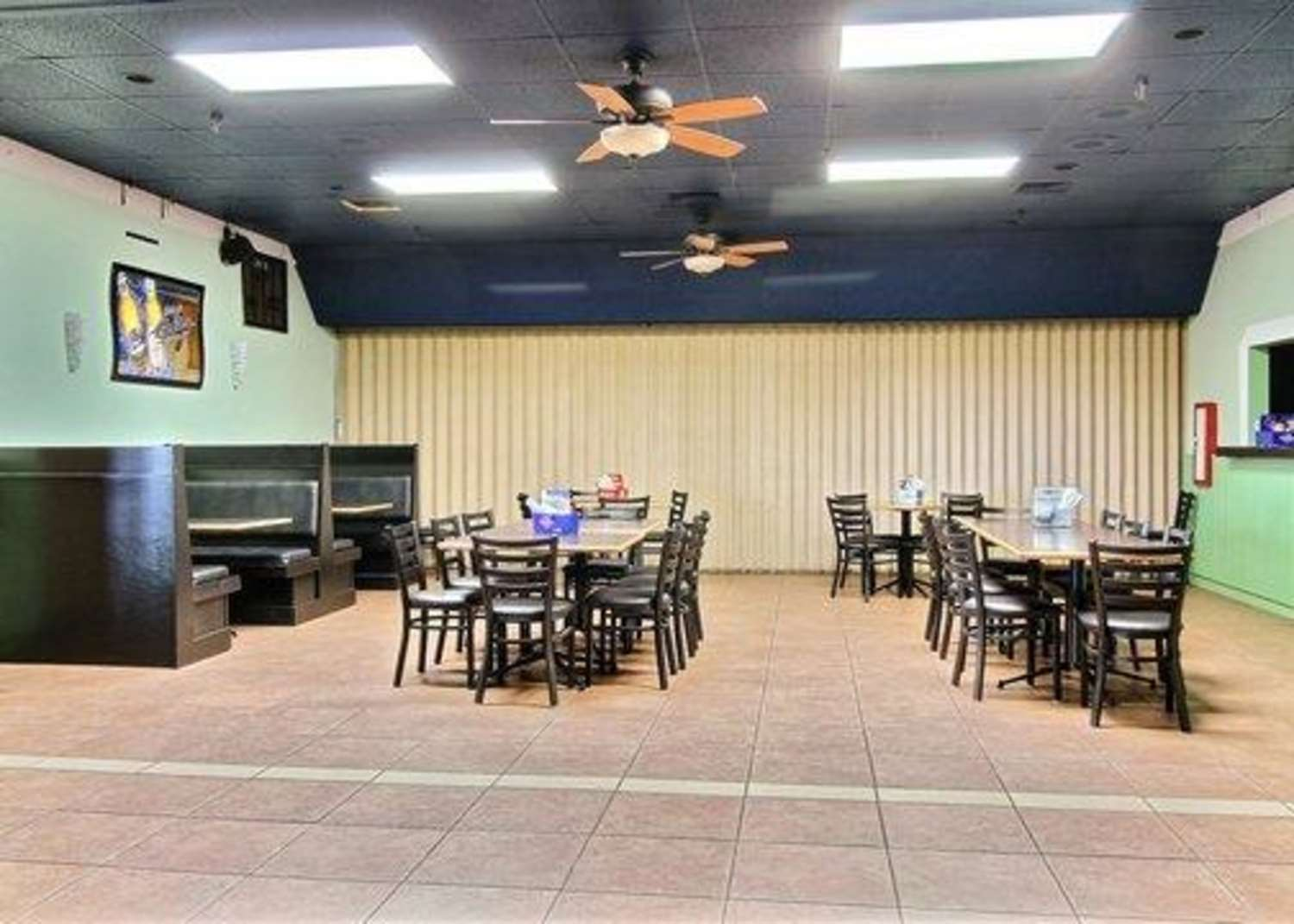 Restaurant - Quality Inn Thief River Falls
