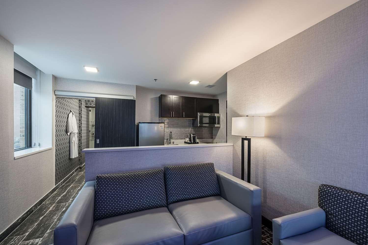 Suite - Luminn Hotel Downtown Minneapolis