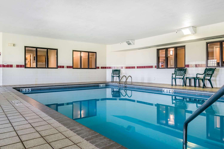 Pool - Comfort Inn & Suites Stillwater