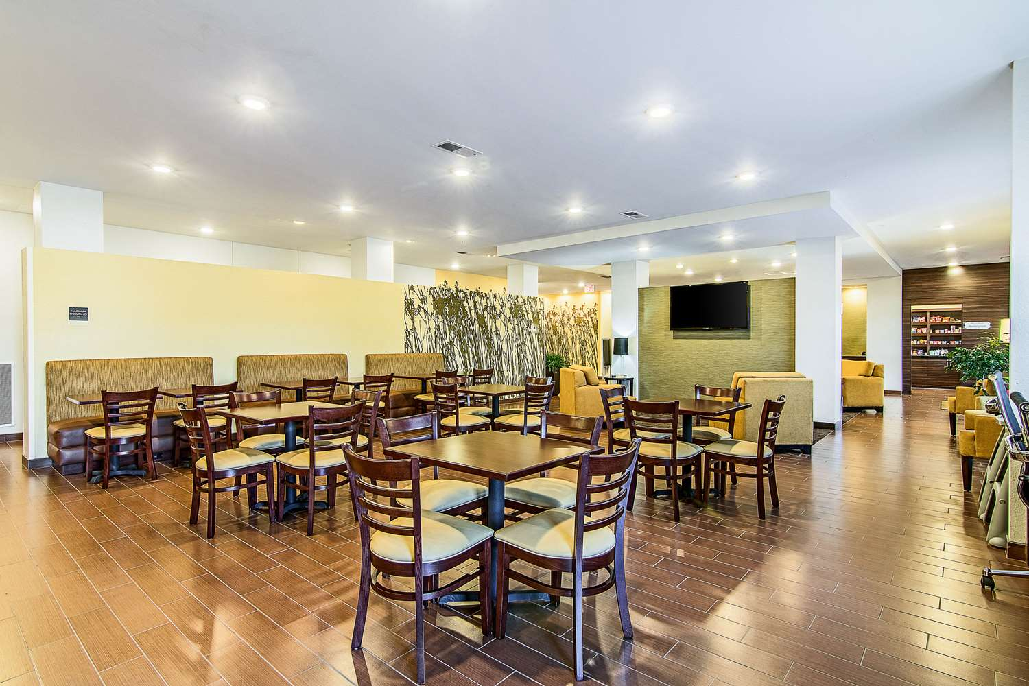 Restaurant - Mainstay Suites Rochester