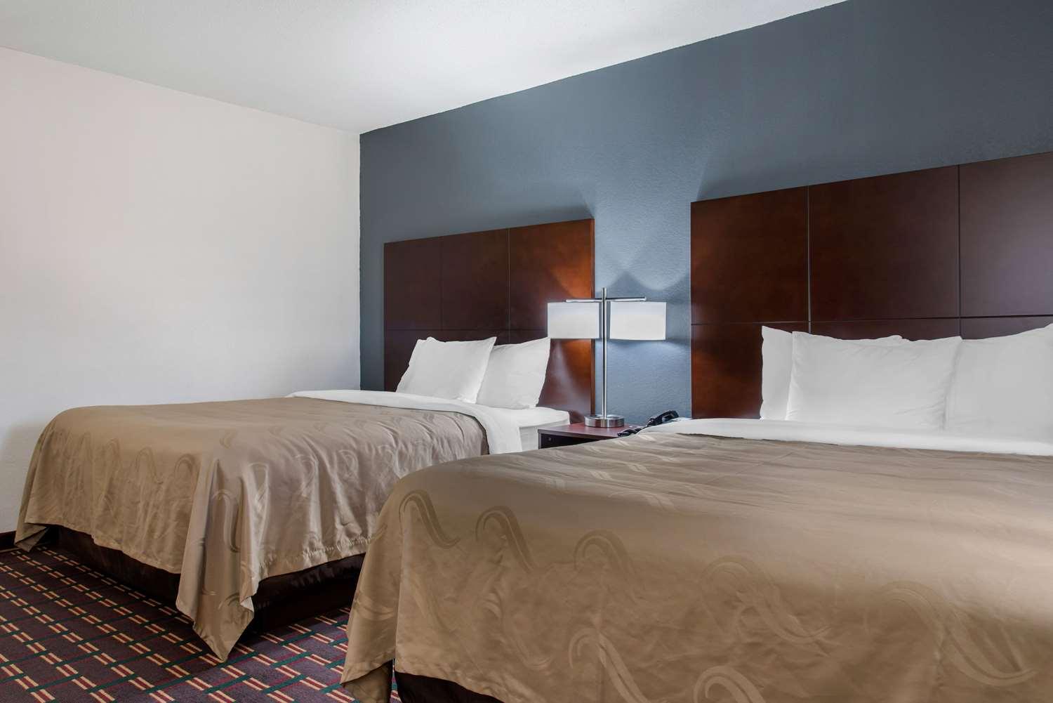 Room - Quality Inn & Suites New Prague